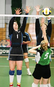 KYLE v Glasgow International, Scottish Volleyball Association Women's Plate Final, Kelvin Hall ISA, Glasgow, Sat 20th Mar 2004. © Michael McConville. To buy prints, visit:  https://www.volleyballphotos.co.uk/2004/2004-03-20-cup-and-plate-finals