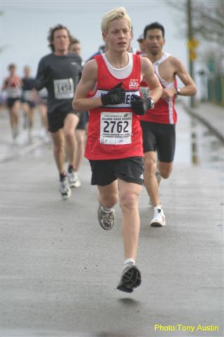 2004 Bazan Bay 5K - 13-year-old Robbie Cracknell wins the M0115 age group