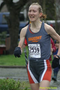 2004 Bazan Bay 5K - Judith LeRoy runs a super 16:41 to finish second to Lucy Smith