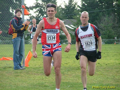 2004 Cedar 12K - Andrew Green and Bernard O'Ree locked in epic conflict