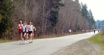 2004 Comox Valley Half Marathon - Lead Pack at 2K