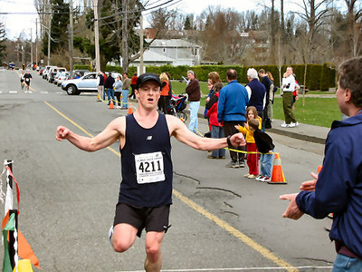 2004 Comox Valley Half Marathon - Colin