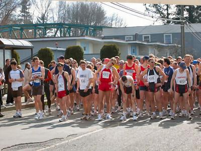 2004 Comox Valley Half Marathon - Front of the Pack