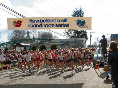 2004 Comox Valley Half Marathon - The Start