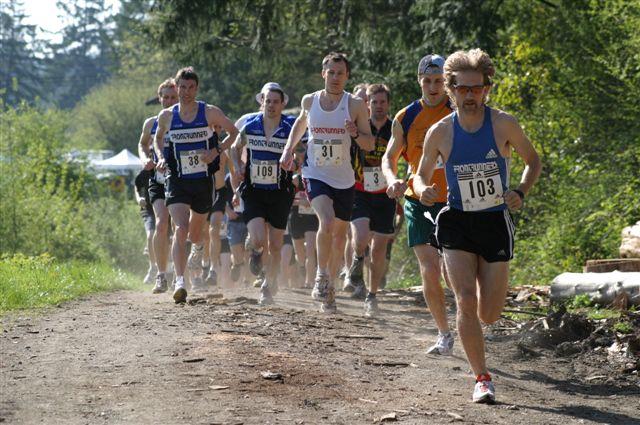 2004 Gutbuster Tzouhalem - Tony Austin - Steve Osaduik leads the pack