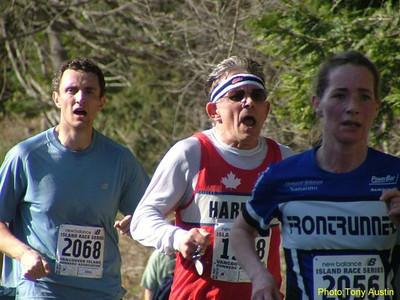 2004 Hatley Castle 8K - Ken nearing the finish, chasing Karen Fry