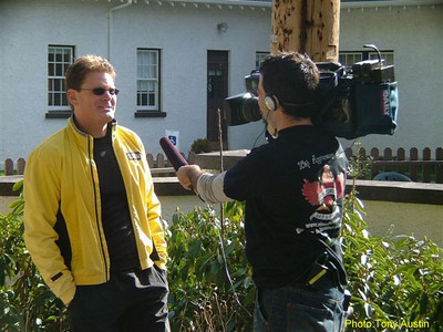 2004 Hatley Castle 8K - Relaxed race director Rob Klassen