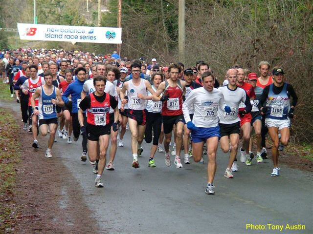 2004 Mill Bay 10K - Rob Harmsworth takes the lead as usual!
