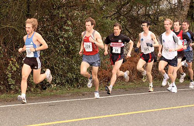 2004 Pioneer 8K - Rory Hill - The pack chases fast-starting Newfie Trevor O'Brien
