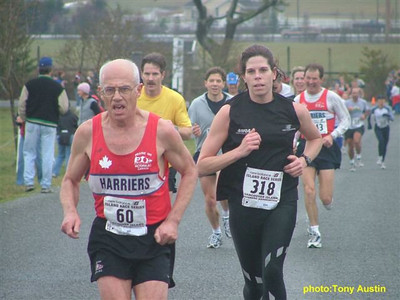 2004 Pioneer 8K - Tony Austin - Bill Scriven leads Sandi Begg to the line.  Eugene, Karl and Karen follow.