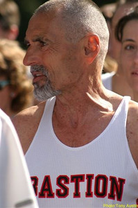 2004 Sooke River 10K - Bastion's Bill Hollingshead