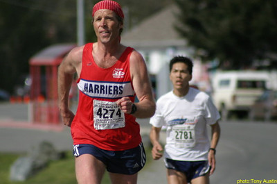 2004 Sooke River 10K - Kevin Searle finished just ahead of Ken Chew