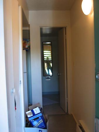 apt_entrance.JPG