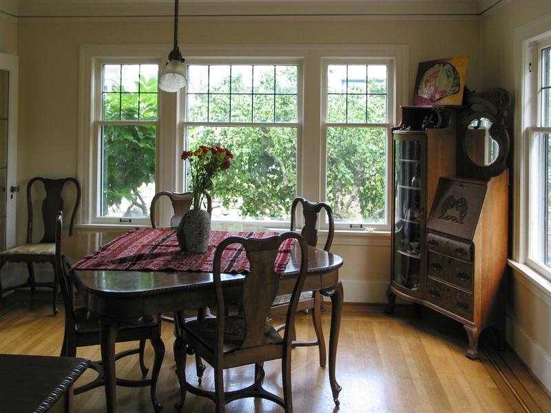 Ravenna house: dining room