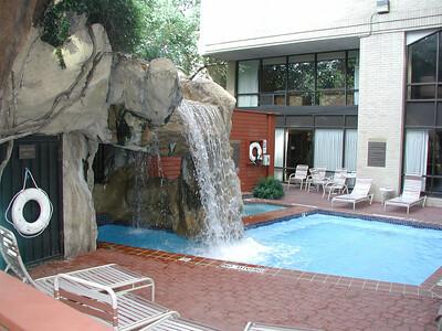 plaza_pool