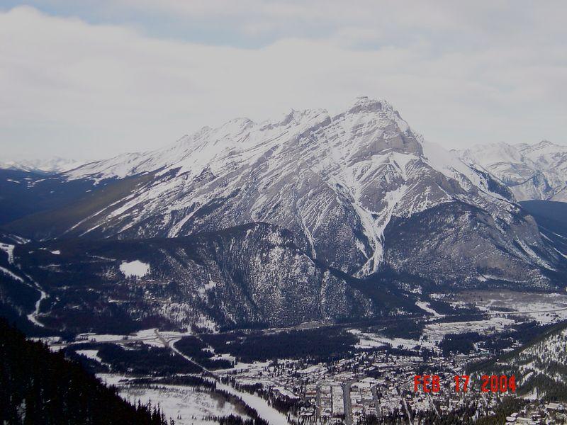 Banff_Mountains2.jpg