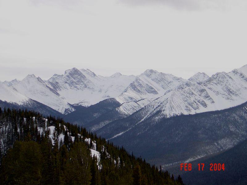 Banff_Mountains3.jpg