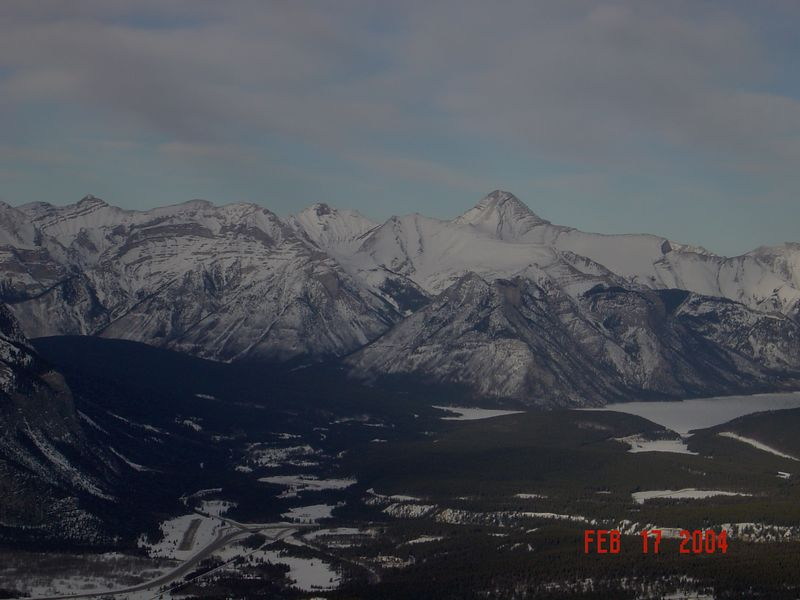 Banff_Mountains1.jpg