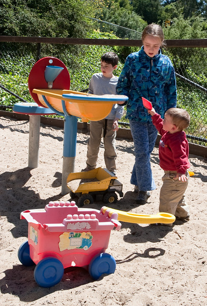 In Berkeley, Benjamin and Isabel playing with cousin Joey