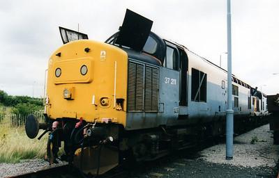 37211 at Thornaby Bull Ring Sidings 02/09/00.