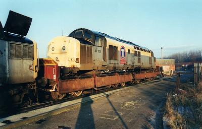 37153 at Wigan CRD  12/01/01.