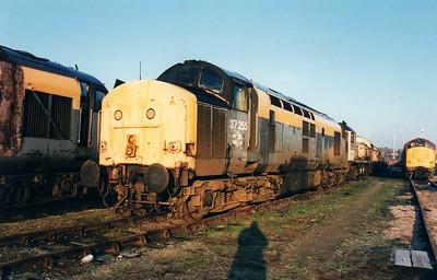 37255 at Wigan CRD 12/01/01.
