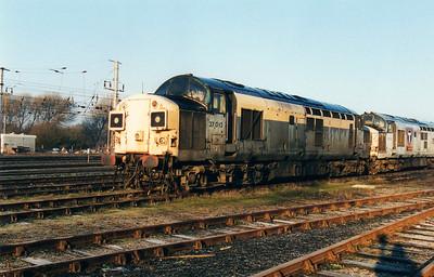 37010 at Wigan CRD  12/01/01.