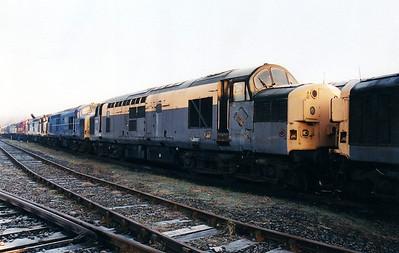 37071 at Wigan CRD 12/01/01.