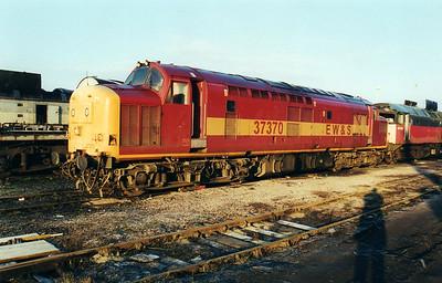 37370 at Wigan CRD  12/01/01.