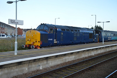 37422 at Great Yarmouth in its new coat of paint  09/09/16.