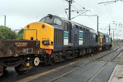 37038 1920/6M95 Dungeness-Brent through Mitre Bridge Jct. 20/06/11