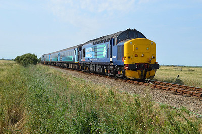 37419 seen approaching Great Yarmouth 1248/2c58 Norwich-Gt Yarmouth service  27/08/16.