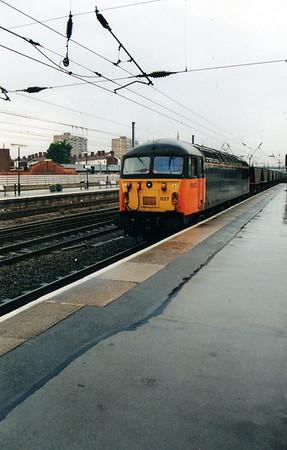 56027 at Doncaster Station  03/08/00.