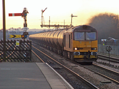 60039  1458/6E54 Kingsbury-Humber passing Barnetby 21/01/11