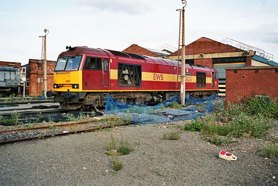 60025 'Caledonian Paper' in Doncaster Carr Yard 21/11/04.