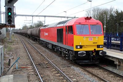 60020 1559/6e38 Colnbrook-Lindsey passes Harpenden  22/04/13.