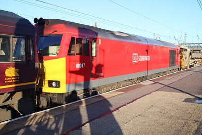66116_60017 DIT 0921/6d75 Scunthorpe-Doncaster passes Doncaster Station 23/11/12.