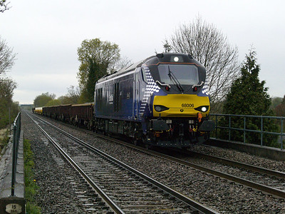 68006 1543_6z96 Bescot-Toton passes Willington  28/04/16.