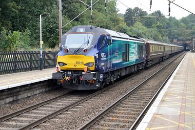 68017 tnt 68016 1001/5z83 Euston-Grantham ECS for tomorrows trip, passes Welwyn North   18/09/16.