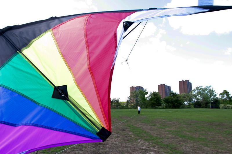 Launching stunt kite