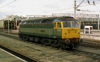 Very much still a Virgin locomotive, 47851 'Traction Magazine' was visible on arrival back at Crewe later that afternoon (23/02/2004)