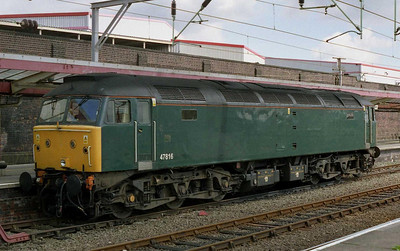 The other former FGW machine now reassigned to Virgin duties - 47816 - was on standby duty at Crewe prior to working forward to Holyhead on '1D89' later that evening (21/06/2004)