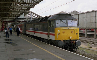 47826 'Springburn' is pictured on arrival with 1A77 1323 Holyhead-Euston during the loco-change at Crewe (21/06/2004)
