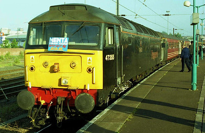 A '47/3' at Norwich: it takes you back ten years or more! Fragonset's 47355 'Avocet' awaits departure with NENTA's 1Z45 0648 charter to Scarborough. (05/06/2004)