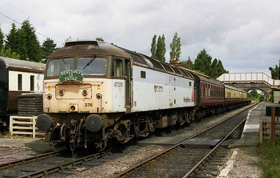 47376 waits to depart from Toddington with the 1125 to Cheltenham Race Course - it's first duty at the Brush Type 4 Fund's 2004 Members' Day (02/07/2004)