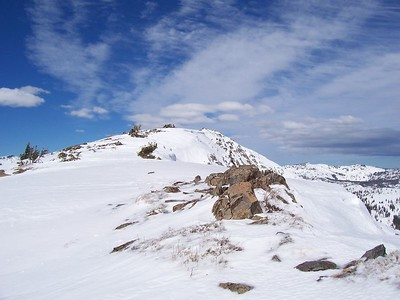 Summit of Ralston from the south ridge.