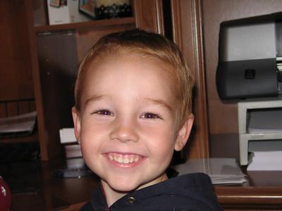 Travis Gum Haircut