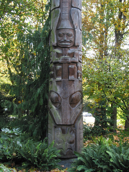 Totem pole outside outside the Burke Musuem of Natural History