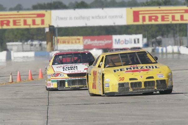 No-0511 Race Group 8