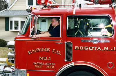 Photo's from  Bogota Working Garage Fire River Rd 2005